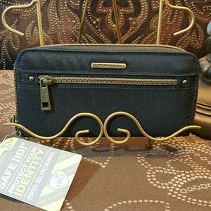 Travelon Wallet NWT with Strap
