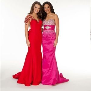 Selling hot pink fuchsia Mac Duggal gown size 0