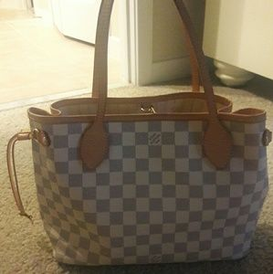 Authentic Louis Vuitton small neverfull.