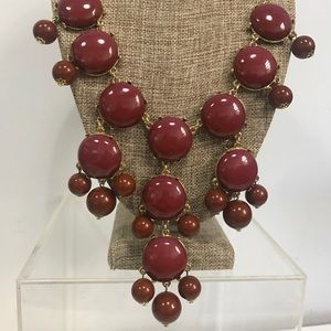 Beaded statement necklace burgundy