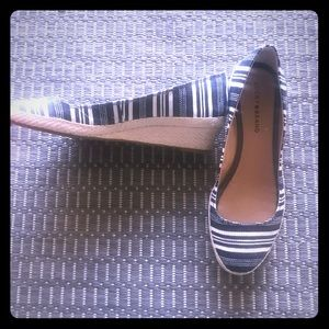 Lucky brand navy striped wedges size 10