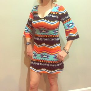Cute retro dress with colorful print.
