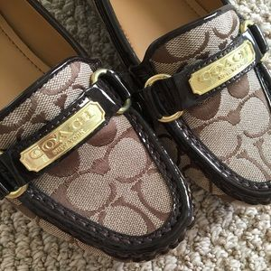 Coach Signature Print loafers gold accents size6.5