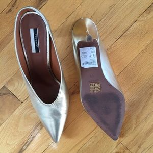 Topshop Shoes - TOPSHOP GOLD LAME KITTEN MULES SIZE 41 ( US 9.5)