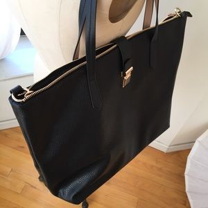 H&M Bags - BRAND NEW LARGE H&M TOTE