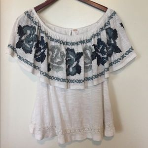 Free People To The Left Top