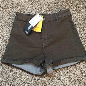 Army green high waist shorts NWT