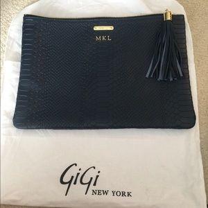 Gigi New York Uber Clutch in Navy