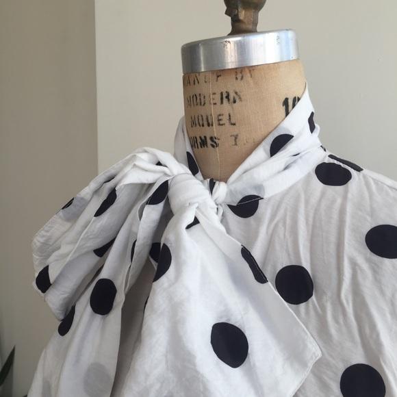 H&M Tops - H&M polka dot tie blouse Size 8 (medium)