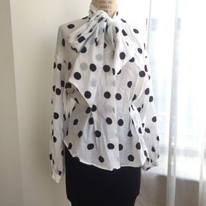 H&M polka dot tie blouse Size 8 (medium)