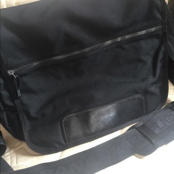Banana Republic Bags   Mens Messenger Bag Very Nice   Poshmark 7dd00eb3d4