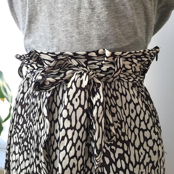 Zara Skirts - Zara Faux wrap printed skirt size 6/Medium