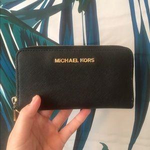Michael Kors Black Zipper Wallet