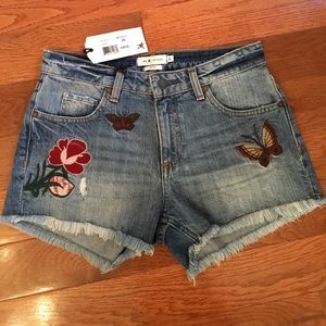 Butterfly appliqué jean shorts nwt