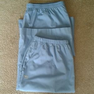 2 scrub skirts sz XL