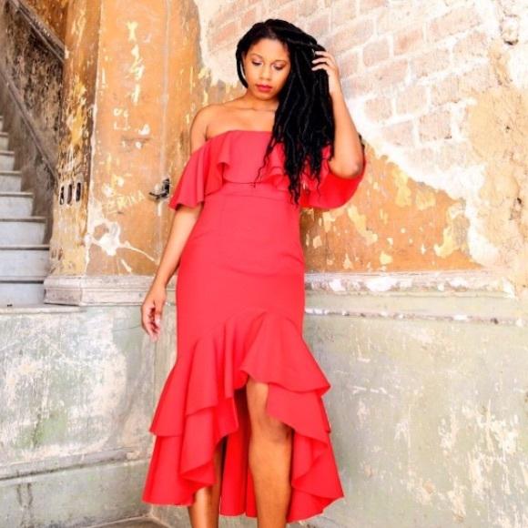 Fame & Partners Dresses - RED FAME AND PARTNERS OFF THHE SHOULDER DRESS SZ 6