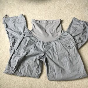 Motherhood Maternity versatile cargo pants/capris