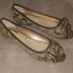 COACH Khaki and Brown Sig. Flats. Size 9