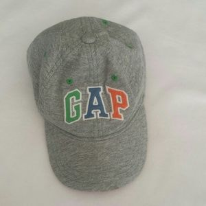 Infant GAP ball cap