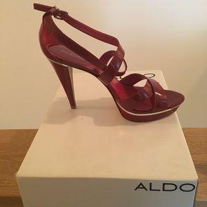 (Used) Aldo Frineli Sandal my size US 9 Euro 40B