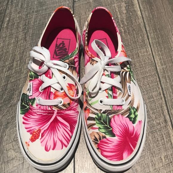 cbf5302884ff6a Floral Hibiscus Hawaiian Vans size 7.5. M 59c67d8a6a583006f3070a8f