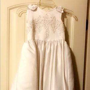 Dresses & Skirts - Beautiful unworn Flower girl dress/gown