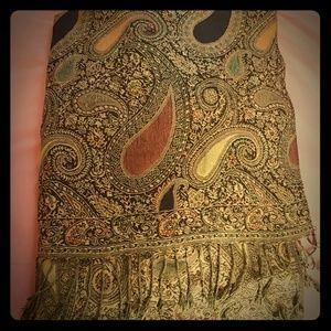 Pashmina type scarf