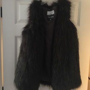 ❌SOLD❌ Kensie faux fur vest