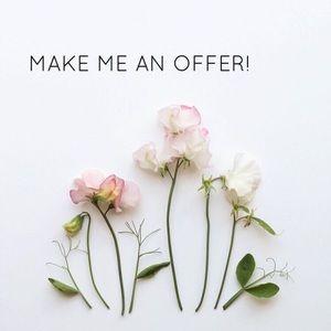 •••MAKE ME AN OFFER•••