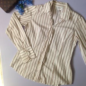 Loft button up ruffled long sleeve top size 6
