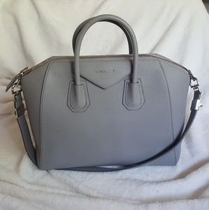 GIVENCHY Sugar Goatskin Medium Antigona Grey