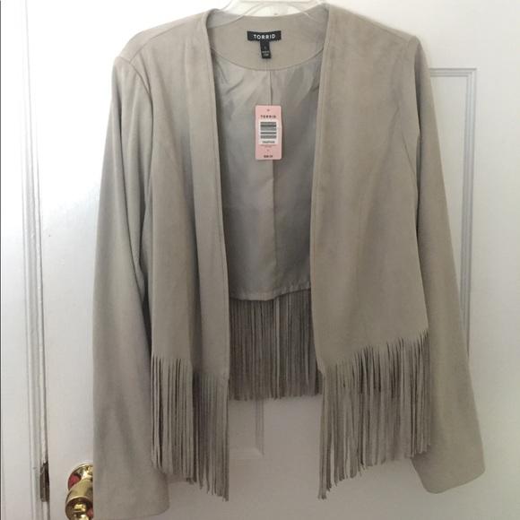 b09f47f582563 Sueded crop fringe jacket