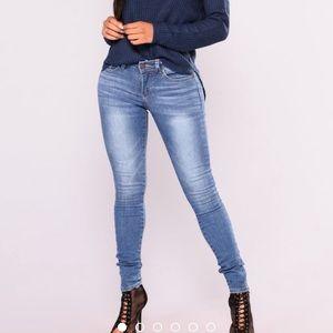 "Fashion Nova ""Araceli Skinny Jeans"""