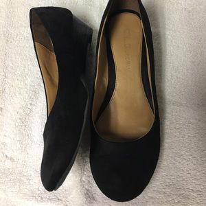 Chinese Laundry Black Low Wedge Shoes