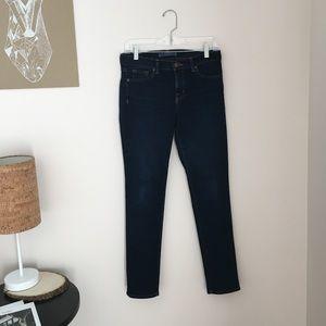 J Brand 811 Skinny Leg Jeans • Size 28