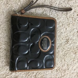 Authentic coach wristlet in great condition