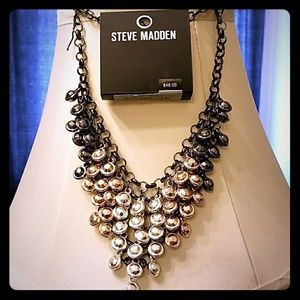 STEVE MADDEN statement necklace