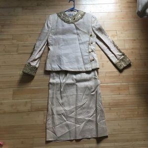 Bill Blass 2 piece linen and silk skirt suit