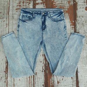 UO BDG high rise twig mom acid wash jeans 29