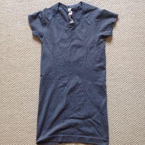 Gray Lululemon short sleeve crew tshirt size 2