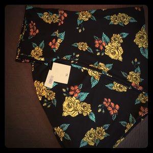 NWT-Lularoe pin-up Maxi Skirt