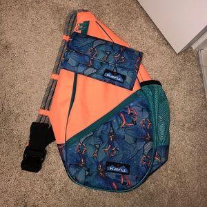 Kavu Bag and Matching wallet.