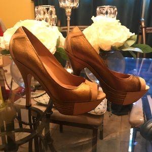 LAMB by Gwen Stefani gold High Heels