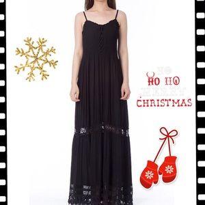Monoreno Black Maxi Dress- NWT⚫️