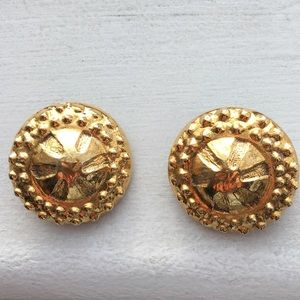 Chanel Vintage Clip on Earings