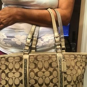 Coach Bags - Authentic coach ladies bag