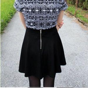 H&m black skater skirt
