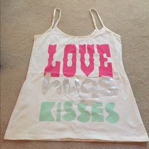 "Cute tank top! ""love Hugs Kisses"""