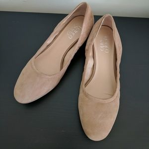 NWOT Tan Leather Heeled Ballet Flats