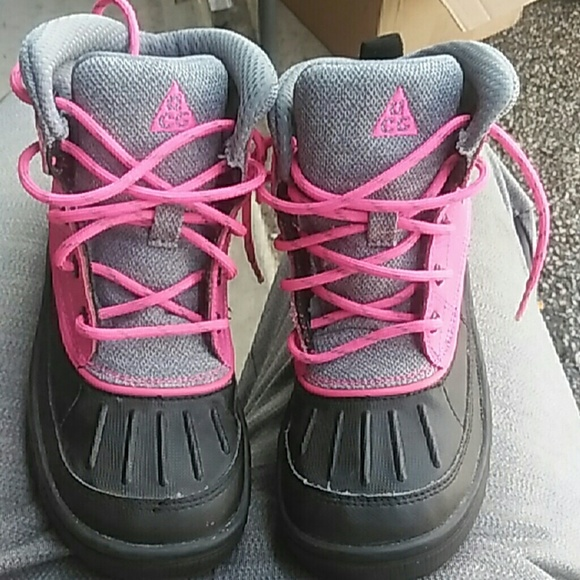 Nike ACG Shoes   Infants Sz 3c Pink